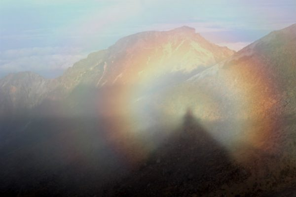 Brocken_spectres_in_Mount_Ontake